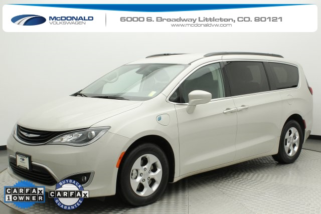 Pre-Owned 2017 Chrysler Pacifica Hybrid Premium