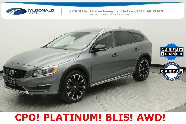 Pre-Owned 2016 Volvo V60 Cross Country T5 Platinum