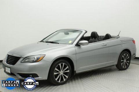 Pre-Owned 2014 Chrysler 200 S FWD 2D Convertible