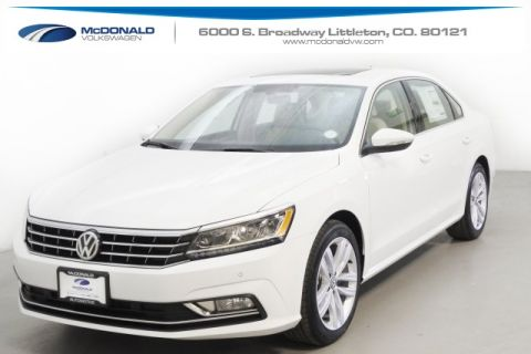 New 2018 Volkswagen Passat 2.0T SE w/ Technology With Navigation