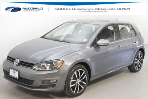 New 2017 Volkswagen Golf TSI SE 4-Door FWD 4D Hatchback